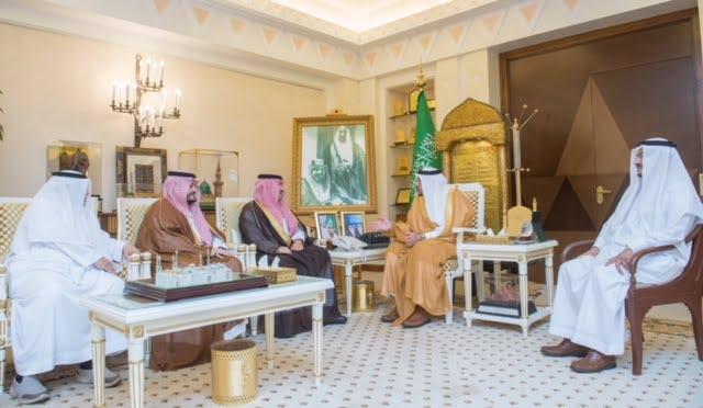 أمير القصيم يستقبل مساعدي رئيس هيئة الطيران المدني للمطارات والمشاريع