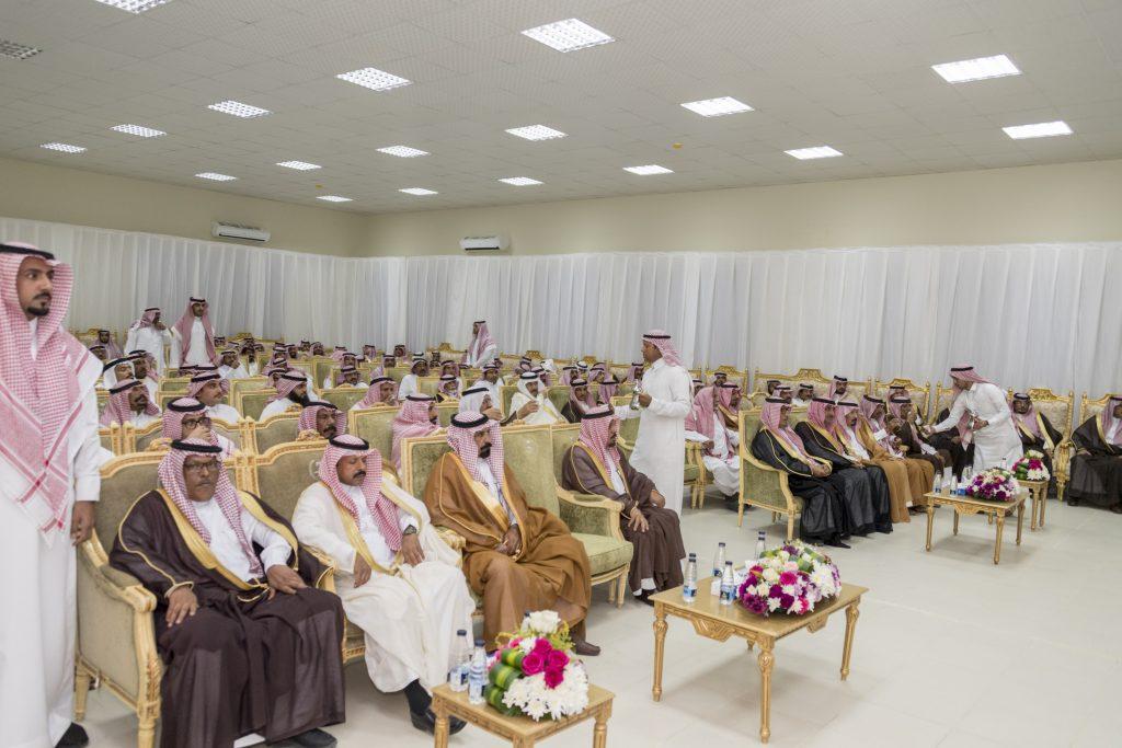 أمير الجوف استقبل المواطنين والمسؤولين بمركز زلوم