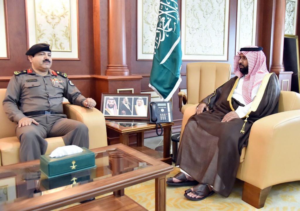 الأمير محمد بن عبدالعزيز يستقبل مدير شرطة جازان المعين