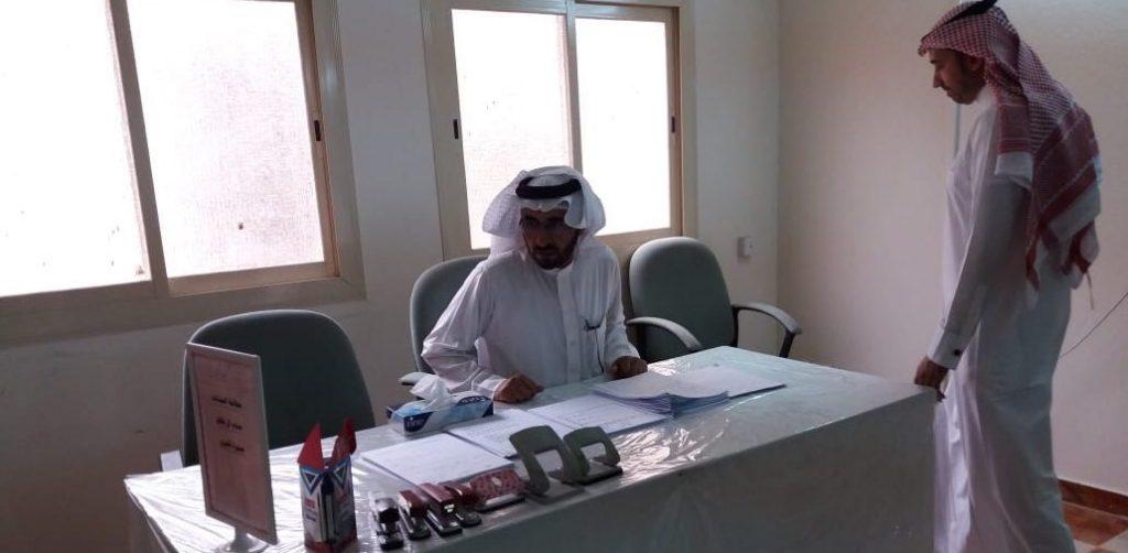 مدير تعليم ألمع بالإنابة يتابع سيرَ أعمال اللجان المعدّة لاستقبال المعلمات المعينات
