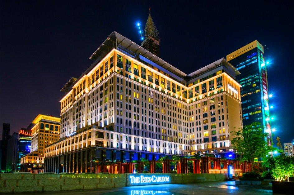 أي الطوابق أكثر أمانا في الفنادق؟