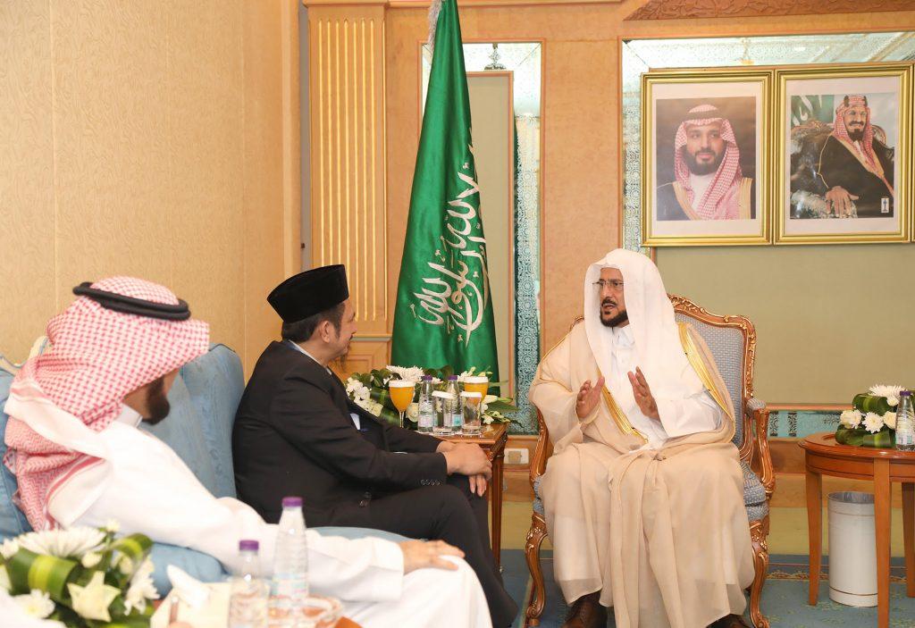 وزير الشؤون الإسلامية استقبل عدداً من المسؤولين وقيادات العمل الإسلامي في صربيا وإندونيسيا وتايلند