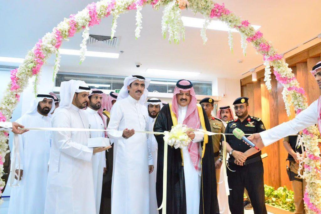 أمير حائل يدشن عدداً من المشاريع والخدمات التطويرية بمستشفى الملك خالد