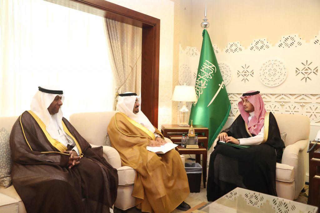 الأمير أحمد يستقبل رئيس فرع هيئة السياحة والتراث الوطني بالشرقية
