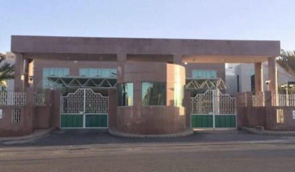«أهالي بلقرن» يطالبون بافتتاح مستشفى «سبت العلايا»