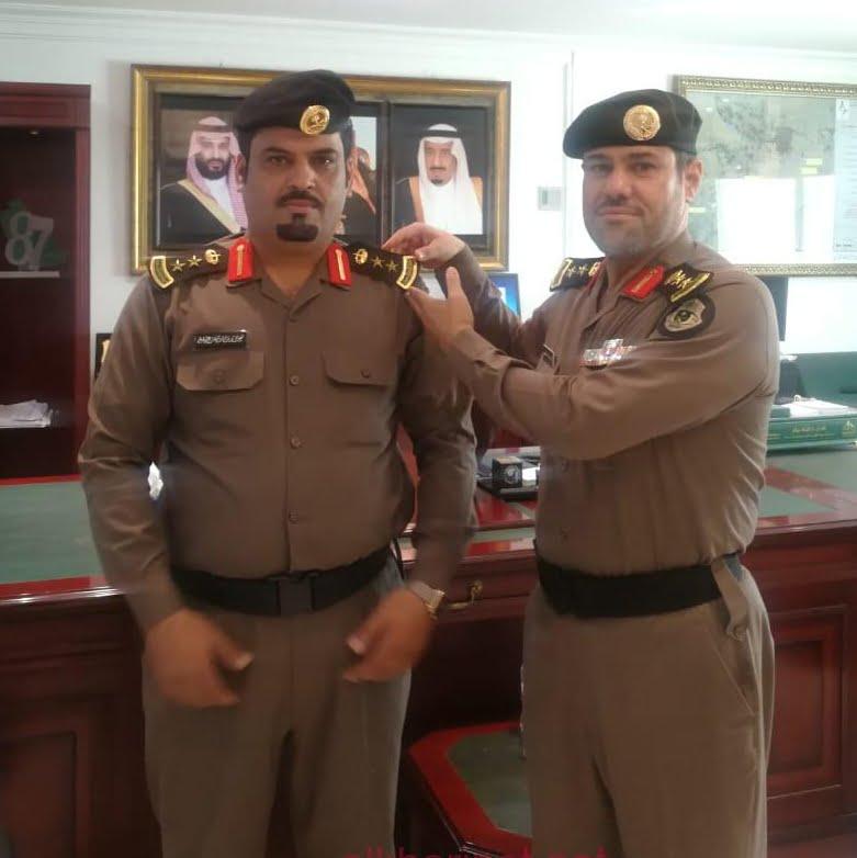 """مدير شرطة الخرج يقلد """"القحطاني"""" رتبة عقيد"""