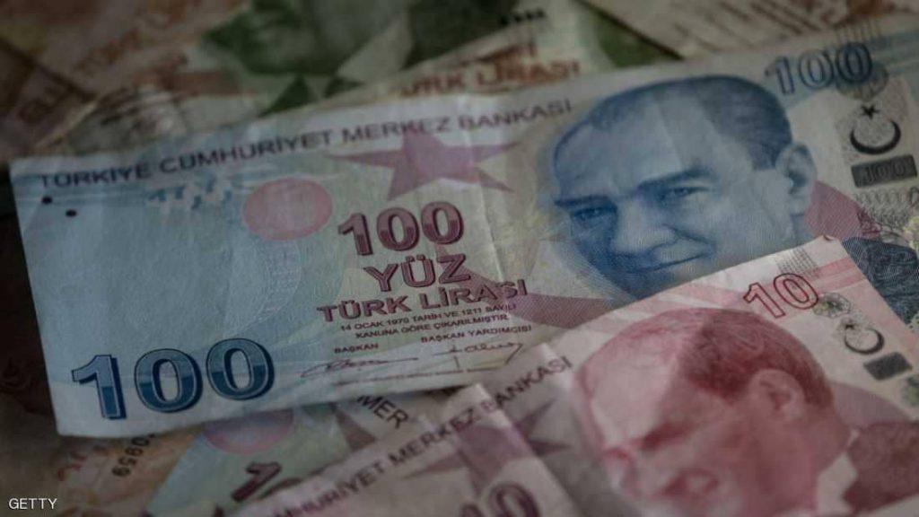 """مؤسسة عالمية تحذر من تبعات """"كارثية"""" لهبوط الليرة التركية"""