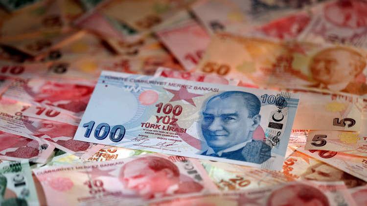 العملة التركية تواصل الهبوط الكارثي