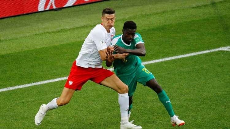 """رسميا.. برشلونة يتعاقد مع مدافع منتخب السنغال """"موسى واغيه"""""""