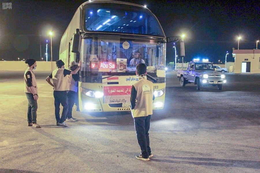 مركز الوديعة الحدودي بنجران يستقبل أولى الدفعات من الحجاج اليمنيين