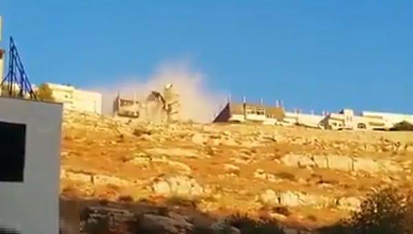 شاهد .. لحظة تفجير إرهابيي الأردن منزل يقيمون فيه خوفا من اعتقالهم