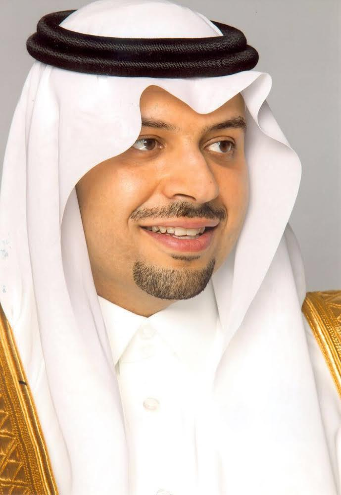 أمير منطقة الحدود الشمالية يتابع مغادرة حجاج بيت الله الحرام من منفذ جديدة عرعر