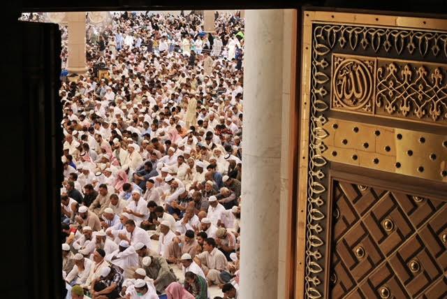 الشيخ الحذيفي في خطبة الجمعة من المسجد النبوي : فلاح الإنسان وسعادته في التحكم في نفسه ومحاسبتها ومراقبتها في كل صغيرة وكبيرة
