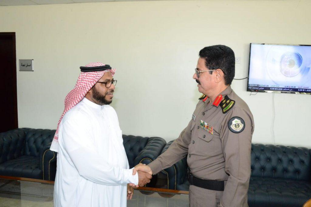 البريد السعودي يعرف بخدماته لشرطة منطقة جازان خلال زيارات للجهات الحكومية