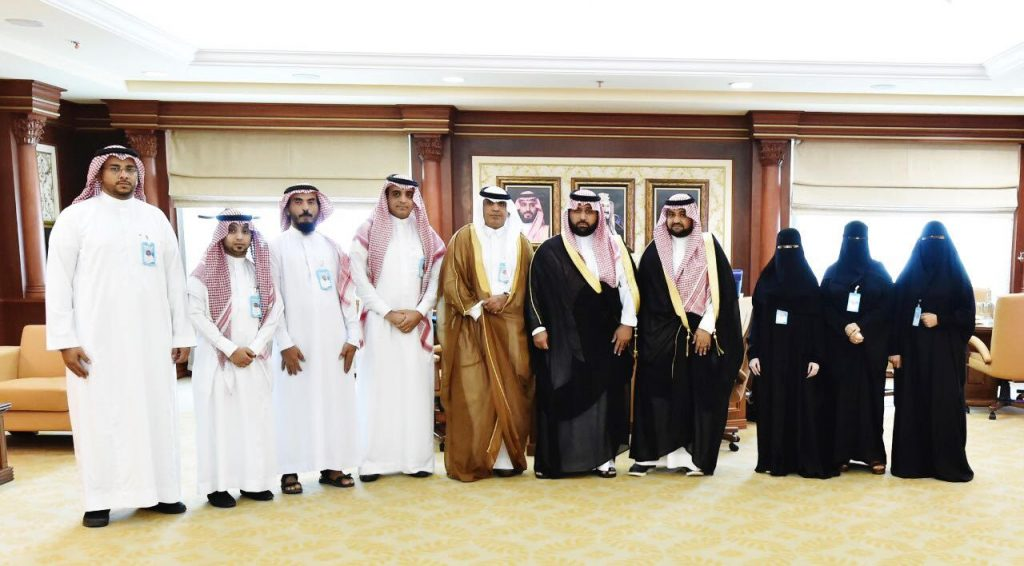 """أمير جازان بالنيابة يستقبل رئيس وأعضاء الجمعية السعودية للتربية الخاصة """"جستر"""" بالمنطقة"""