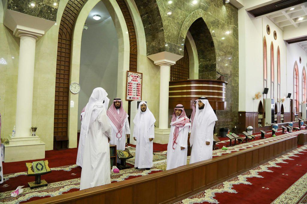 وزير الشؤون الاسلامية يوجه بترميم وتكييف جامع الملك فهد ودراسة  حالة مسجد حي الشاطي بالدمام