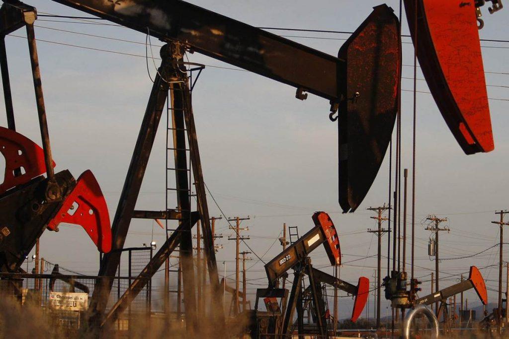 انخفاض النفط متأثرا ببيانات أمريكية