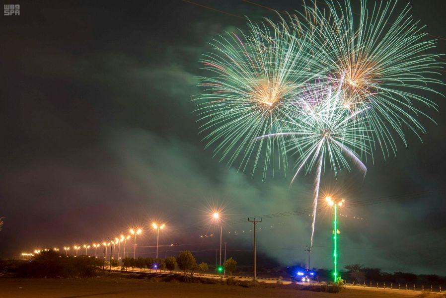 الألعاب النارية تضيء سماء نجران ابتهاجا باليوم الوطني