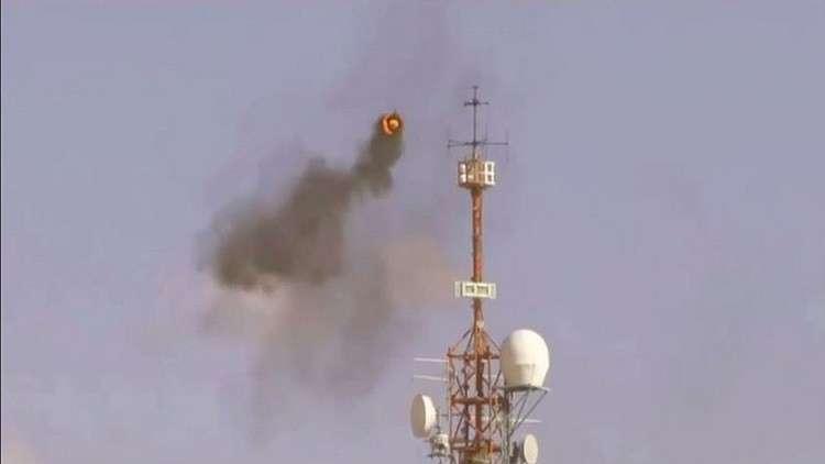 """إحراق برج عسكري إسرائيلي بواسطة إطار طائر مشتعل """"فيديو"""""""