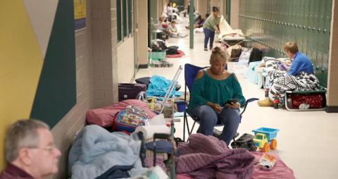 إعصار فلورنس يضرب الساحل الشرقي الأميركي وفرار مئات الآلاف