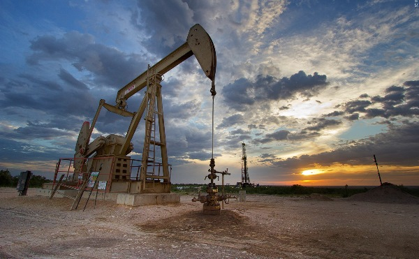 """ارتفاع أسعار النفط بعد اتفاق """"أوبك"""" على إبقاء الإنتاج مستقرا"""