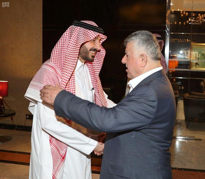 رئيس الاتحاد السعودي لكرة القدم يزور مقر بعثة المنتخب العراقي بالرياض