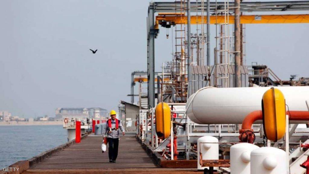 """إيران تبدأ بالهروب من """"عقوبات واشنطن"""".. بالتحايل في النفط"""