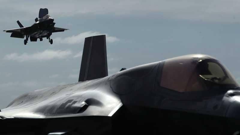 بعد الحادث المؤسف.. قرار أمريكي مفاجئ بشأن المقاتلة الأغلى