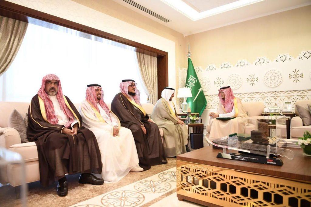 نائب أمير المنطقة الشرقية يستقبل رئيس وأعضاء غرفة حفر الباطن