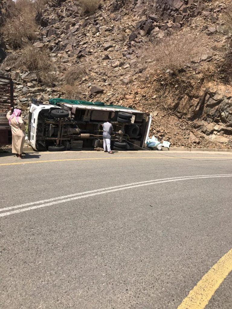 مصرع شخص في حادث مروري بالباحة