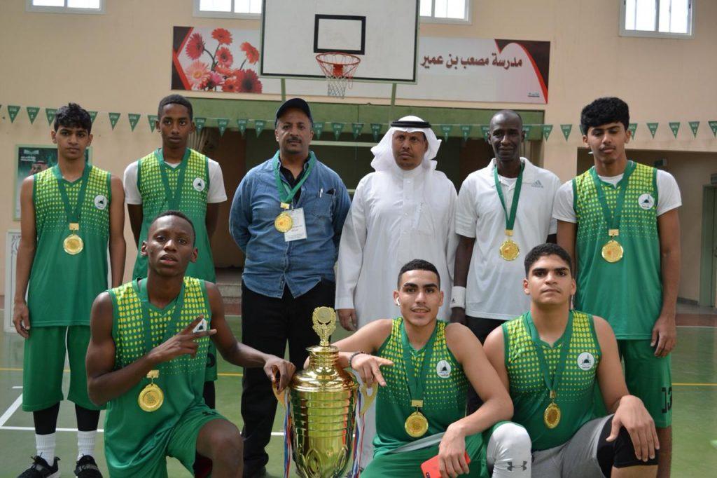 منتخب سلة تعليم المدينة يتوج بكأس تصفيات بطولة التعليم لكرة السلة