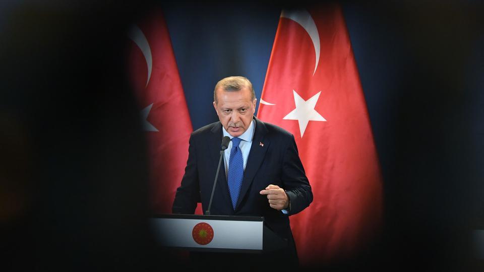 إردوغان: وحدات حماية الشعب الكردية لم تغادر منبج و تركيا ستقوم باللازم