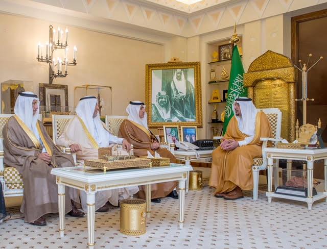 أمير القصيم يستقبل محافظ عنيزة ورئيس وأعضاء مكتب الدعوة