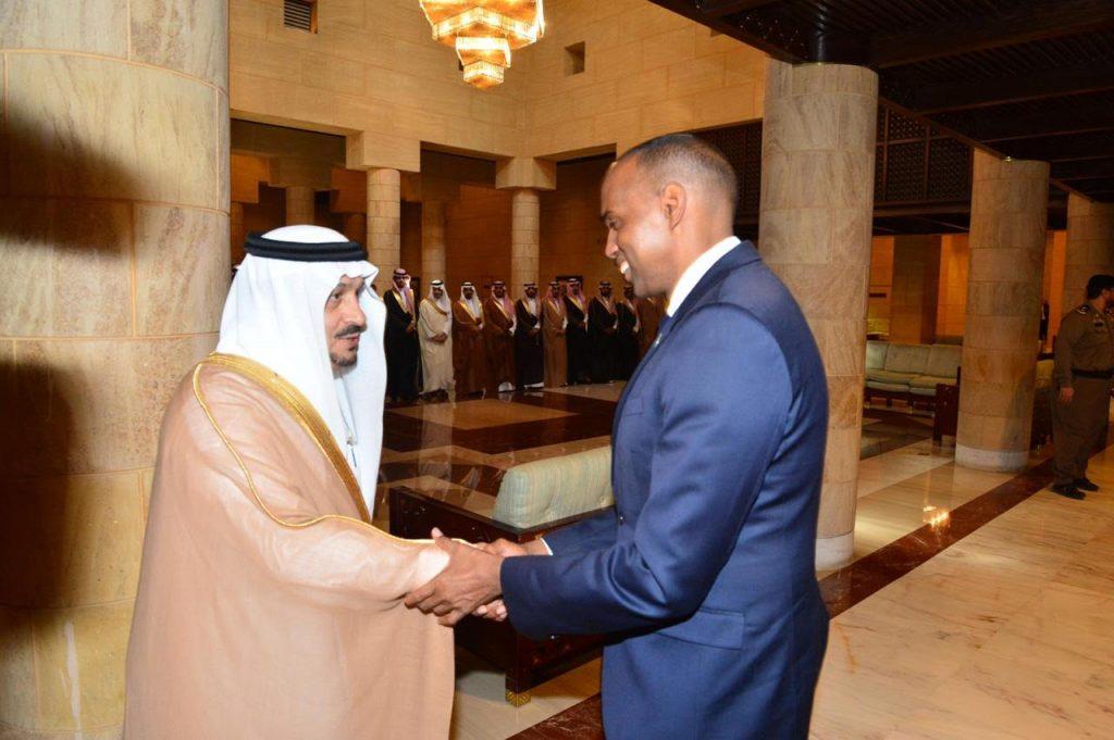 أمير منطقة الرياض يقيم مأدبة غداء تكريماً لدولة رئيس مجلس الوزراء الصومالي والوفد المرافق له