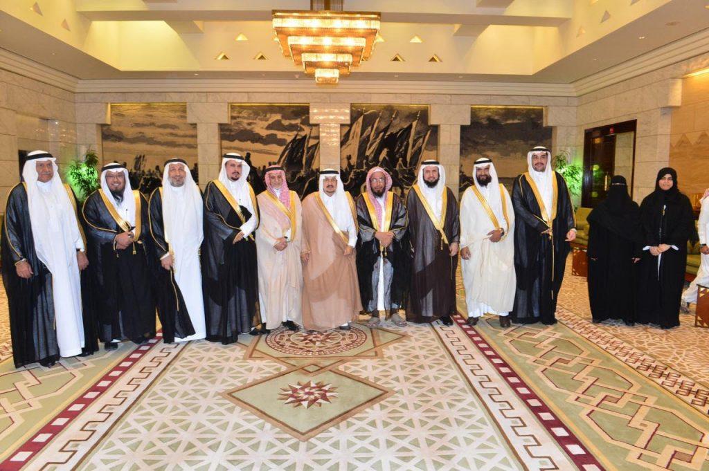 """الأمير فيصل بن بندر يستقبل أعضاء الجمعية الخيرية الصحية لرعاية المرضى """" عناية """""""