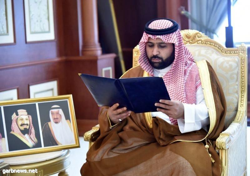 نائب أمير جازان ينقل تعازي القيادة لوالد وذوي الشهيد العريف محمد آل بن سلة