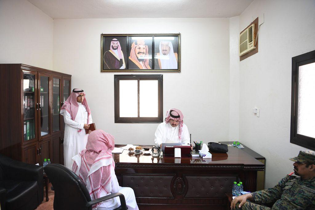نائب أمير منطقة عسير يزور مركز كحلا ويشرف حفل الأهالي