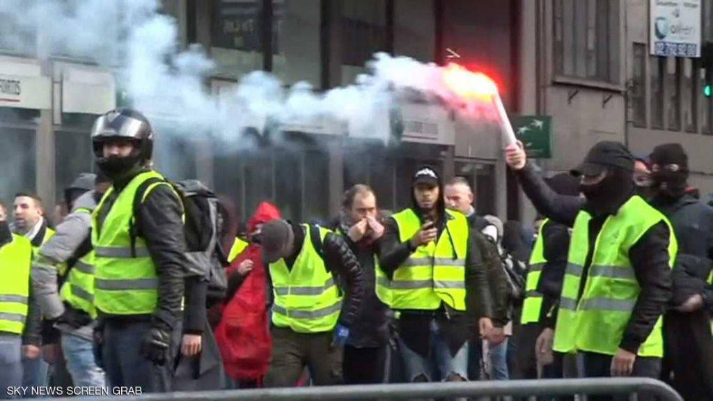 """""""السترات البيضاء"""" جاهزة للاحتجاجات في تونس"""