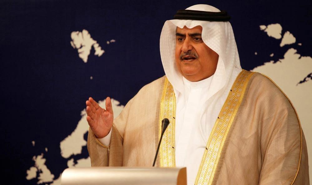 وزير خارجية البحرين: قطر أحرقت سفن العودة والحل لن يكون بـ«حب الخشوم»