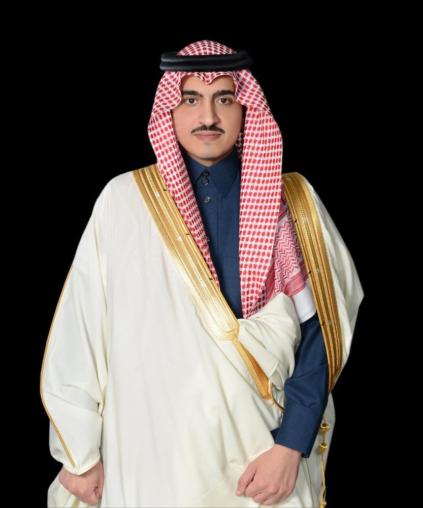 الأمير بدر بن سلطان يعزي أسرة الفنانة التشكيلية منيرة موصلي في وفاتها