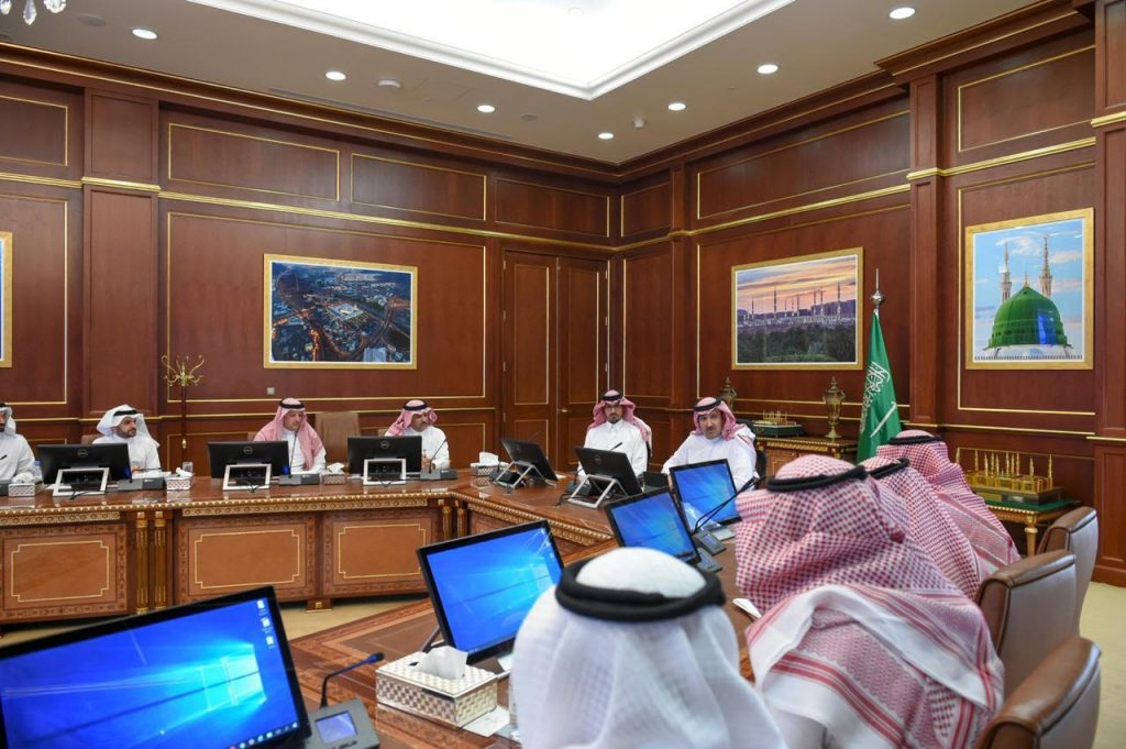 أمير المدينة المنورة يرأس الاجتماع التنسيقي الأول لبرنامج التشجير في المنطقة