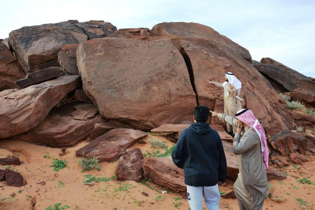 سياحة حائل تتفقد المواقع الأثرية والمنشآت السياحية بالمنطقة