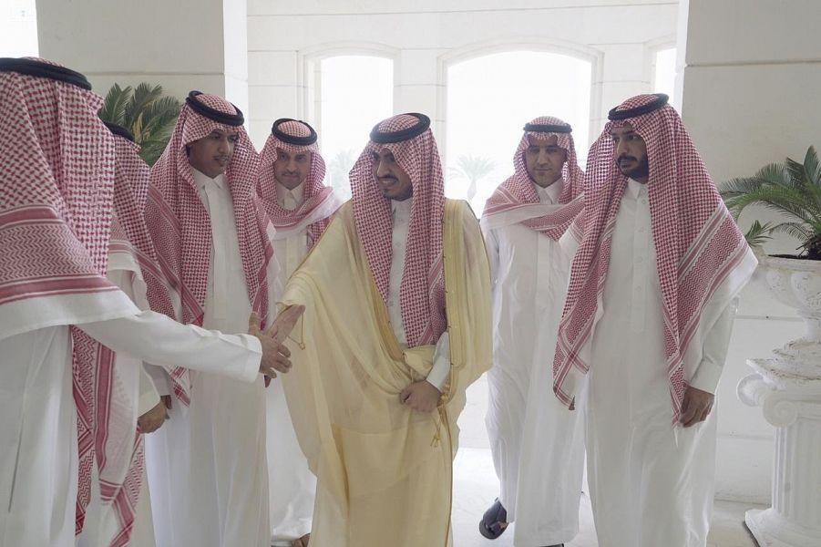 نائب أمير مكة المكرمة يُباشر مهام عمله بإمارة المنطقة