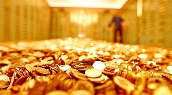الذهب يقلص مكاسبه مع تعافي الدولار والأسهم