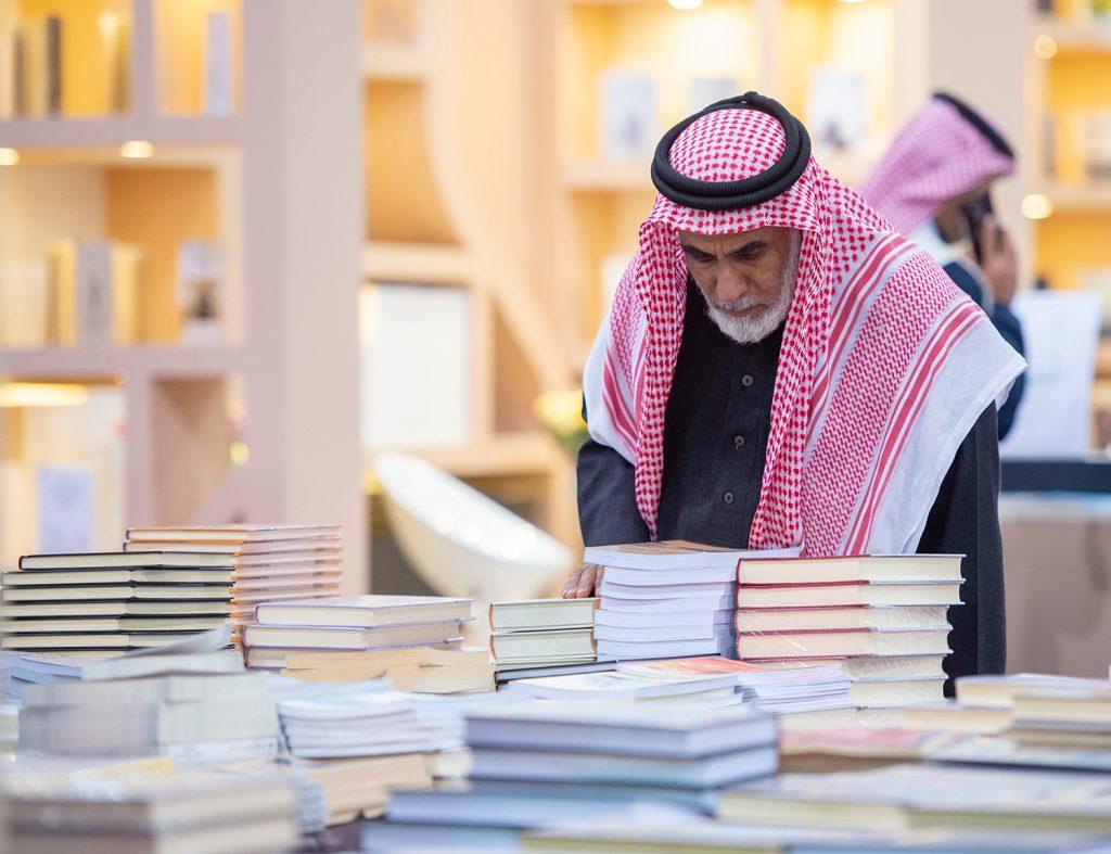 معرض القصيم الثاني للكتاب يجتذب الآف الزوار بمشاركة أكثر من 200 دار نشر