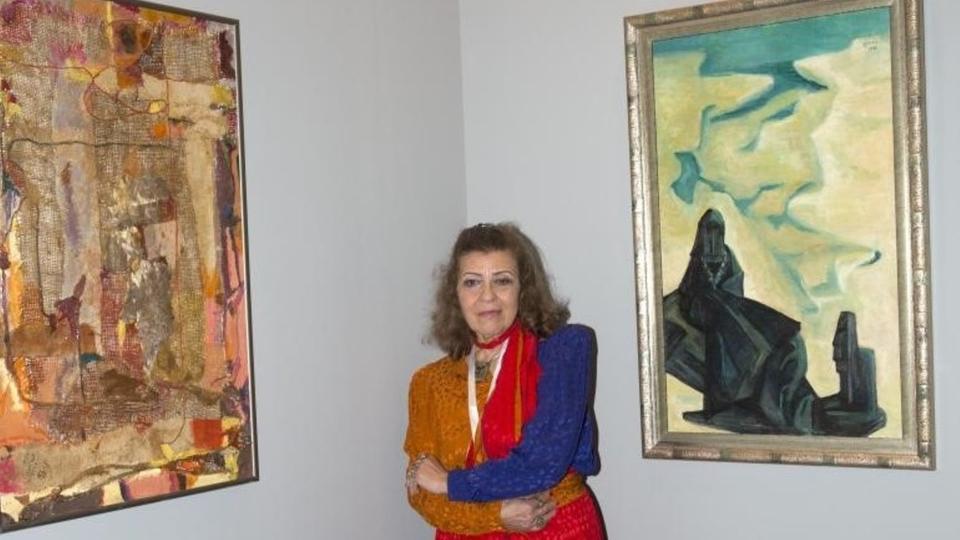 وزير الثقافة يوجه بإطلاق اسم الفنانة التشكيلية منيرة موصلي على إحدى دور العرض