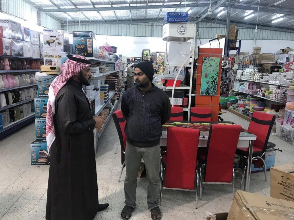 مكتبا وزارة العمل بمحافظة حقل والوجه يقومان بجولات تفتيشية على المنشآت