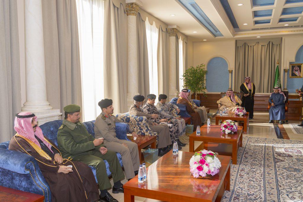 الأمير فيصل بن نواف يستقبل قادة القطاعات الأمنية بالجوف