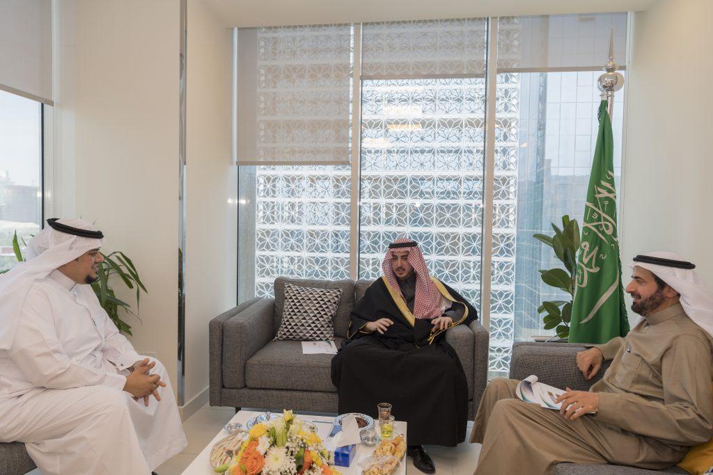 أمير الجوف يبحث مع الربيعة احتياجات الخدمات الصحية بالمنطقة