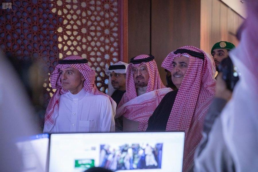 وزير خارجية البحرين يزور مركز الاتصال والإعلام الجديد بوزارة الخارجية